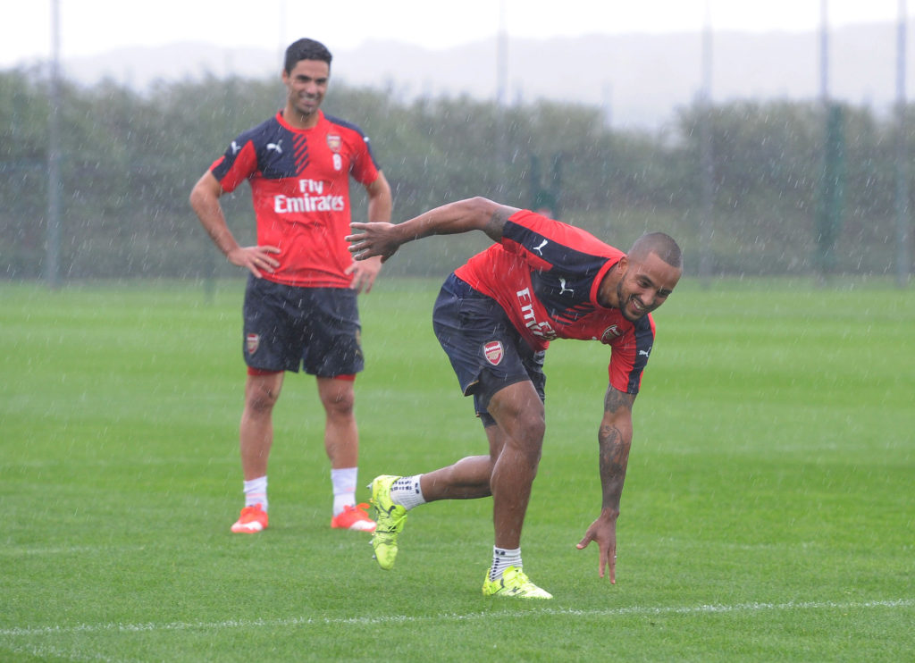 Arsenal Players Take Part In The Dizzy Challenge