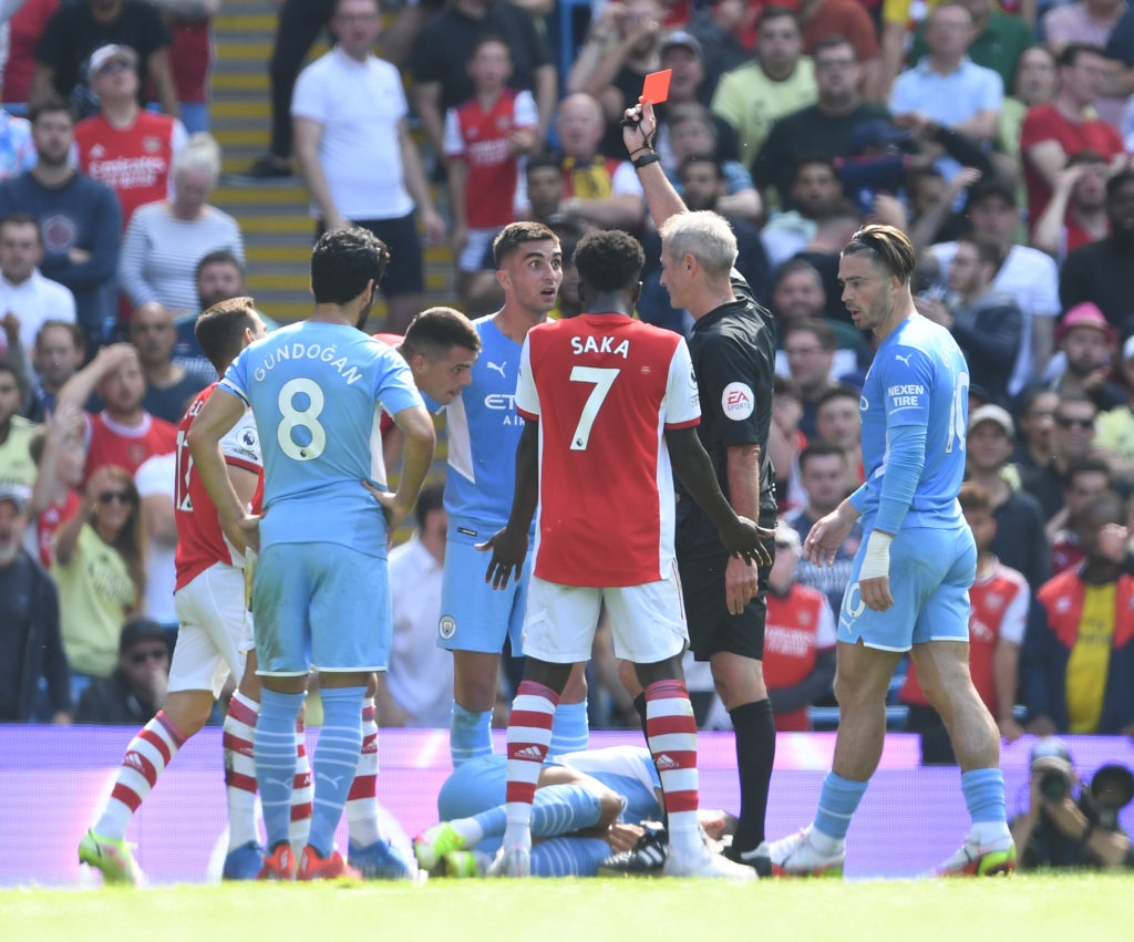 Arsenal fans are still recovering from our 5-0 hammering at Manchester City where Granit Xhaka saw a red card, but Paul Pogba got away with something similar against Wolves yesterday.